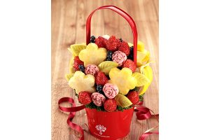 脱マンネリ! 今年の母の日はこれで決まり! アメリカ発の新ギフト、花束のような「フルーツブーケ」