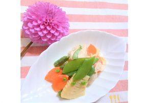 「糀ぎょうさん生味噌」を活用したレシピ『カラフル春野菜とささみのクリーミーサラダ』