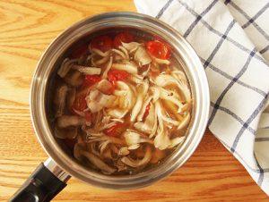 辛みを加えたいときはラー油を入れても美味しくいただけます。酸辣湯はお酢を感じるスープです。ぜひ富士酢を活用して楽しみましょう♪