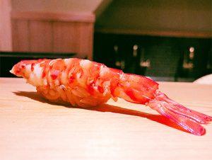 「すぎた」「㐂寿司」という新旧の名店に挟まれる、水天宮の地に昨年9月にオープンした「高柿の鮨」