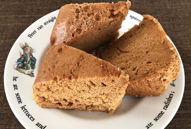 ふんわり、キメ細かく、しっとりした食感。蒸しパンというよりシフォンケーキのほうが近い感じがします。