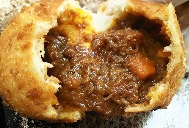 世界ギネス記録を達成したパンパティのカレーパン、一度味わってみてはいかがですか?
