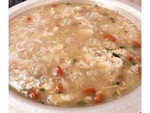 韓国では参鶏湯は夏に食べるものらしいが、確かに冷房で冷えた体にはたまらなくいい気がする。